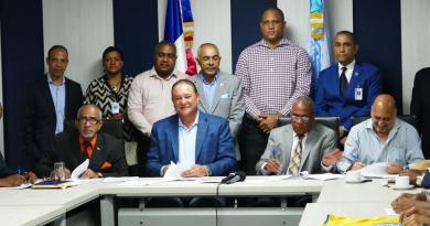 CAASD firma convenio con asociaciones deportivas para concienciar sobre importancia del agua