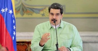 Nicolás Maduro pide la renuncia de todos los miembros de su gabinete