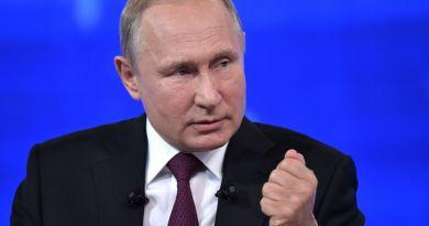 Putin dice que Rusia seguirá construyendo una Armada con capacidades únicas