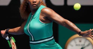 Tenista Serena Williams regresa triunfante al Abierto de Australia