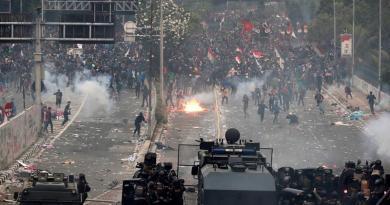 Indonesios protestan contra reforma appropriate que penaliza sexo extramatrimonial