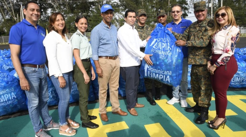 Dominicana Limpia y el Ejército, junto a entidades públicas y privadas, celebran Tercera Jornada Nacional de Limpieza