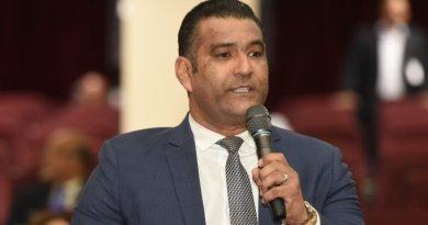 Diputado Luis Tejada favorece unificar elecciones y habilitar a Danilo