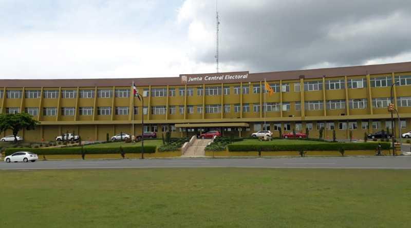 JCE: precandidatos presidenciales presentaron primer informe de gastos de precampaña