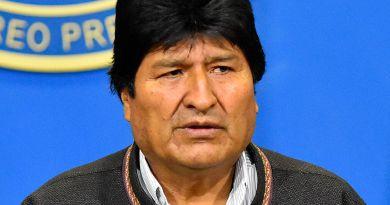 Avión de Evo Morales despegó de Paraguay tras repostar varias horas