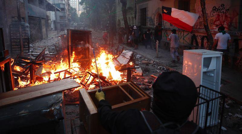 Última jornada de protestas dejó 849 detenidos y 46 civiles heridos en Chile