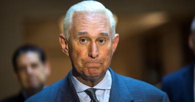 Roger Stone, el confidente de Trump que mintió al Congreso y pagará ahora por ello