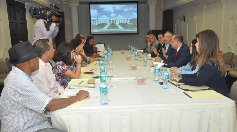 Gobierno crea comisión técnica buscará alternativas a reclamos de campesinos de El Seibo