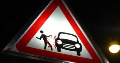 Google patenta un adhesivo para que los peatones atropellados se adhieran al automóvil