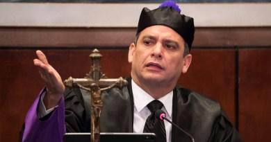 Molina dice justicia no está politizada: solo 4 de los 765 jueces no han pasado por la carrera judicial