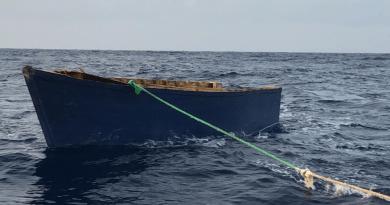 La Armada recibe a 35 personas que intentaron llegar a Puerto Rico en yola