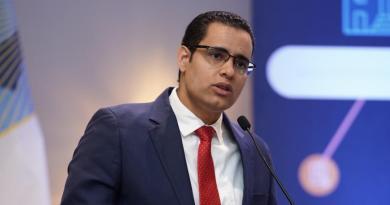 Ministro de Economía revela próxima semana presentarán presupuesto complementario