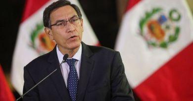 Congreso de Perú destituye al presidente Vizcarra