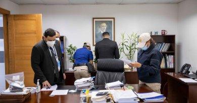 Director Pepca no descarta apresar funcionarios CC; edificio fue allanado por completo