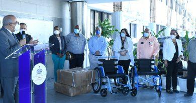 Salud Pública entrega medicamentos y equipos médicos a 13 hospitales de la región norte