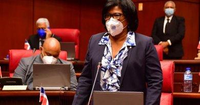 Senadora Salvador presentará proyecto para desarrollar las seis provincias más pobres