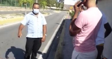 PN apresa a taxista que chocó a conductor de Uber por abordar turistas en Bávaro