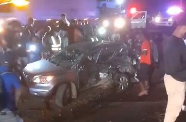 Tres personas mueren en accidente entre dos camiones y una jeepeta en autopista Duarte