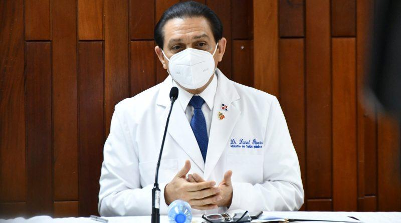 Ministro Rivera: embarazadas entre primer y tercer trimestre de gestación pueden vacunarse