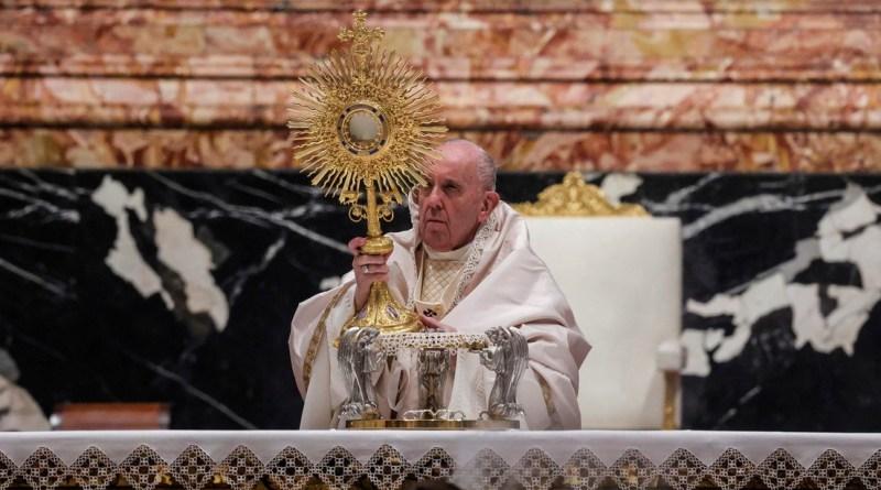 El papa Francisco rechaza la renuncia del cardenal alemán Marx por un escándalo de abuso sexual