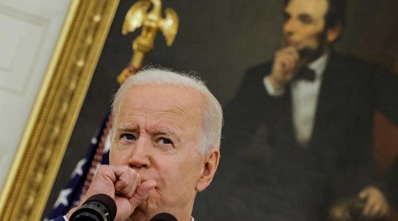 Obispos de EEUU redactarán una declaración sobre la comunión con Biden en la mira