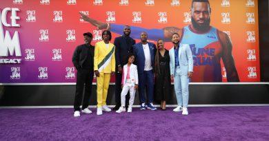 """LeBron James lidera la taquilla en cines de EE. UU. con la nueva """"Space Jam"""""""