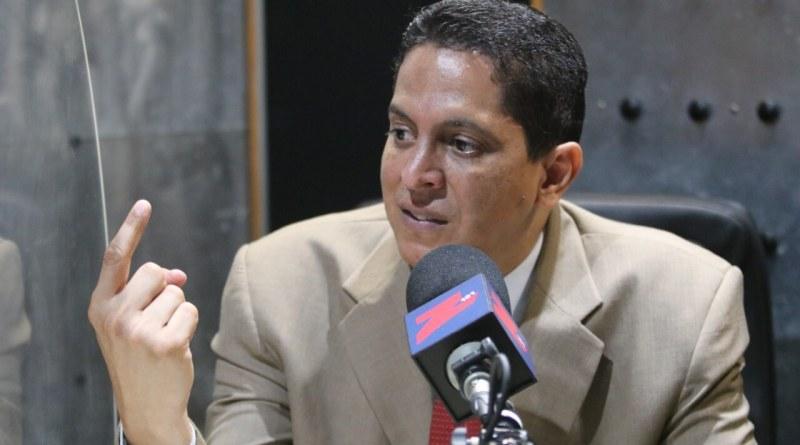 """Infectólogo Héctor Balcácer advierte sobre la """"epidemia de los no vacunados"""""""