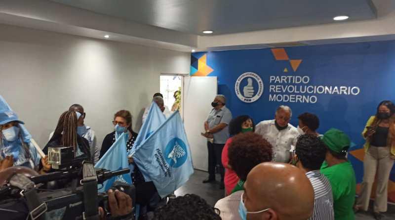 Fafa Taveras pide disculpas a representante Provida que asistió a reunión del PRM