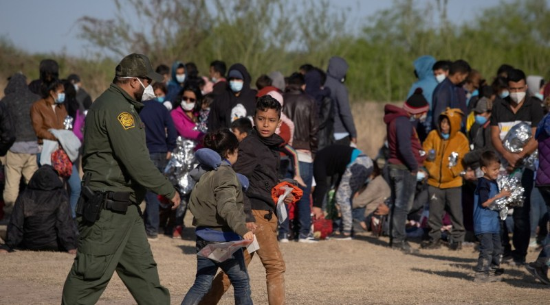 """""""No vengan, la frontera está cerrada"""": EE.UU insta a migrantes a no tratar de ingresar al país"""