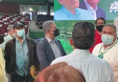 Leonel supervisa montaje de primer congreso de la Fuerza del Pueblo