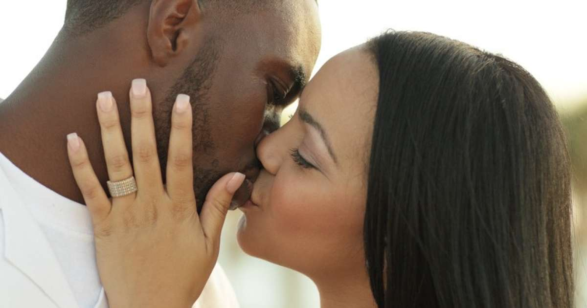 How To Be A Good Kisser 10 Tips From Scientific Research Labone