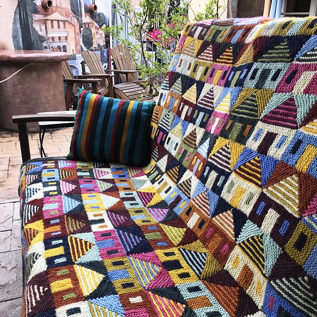 mantas tejidas a mano Safe at Home blanket by Margaret Holzmann