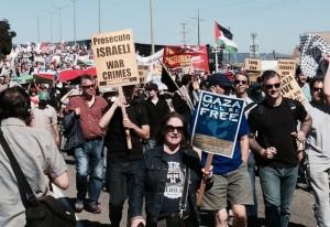 Protesters Block EI