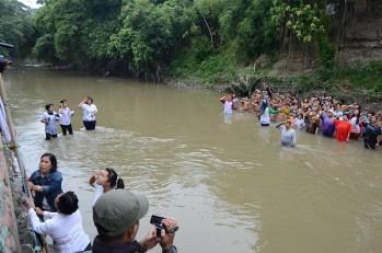 Susunan peserta upacara di Kampung Aur, Kelurahan Aur, Kecamatan Medan Maimun.
