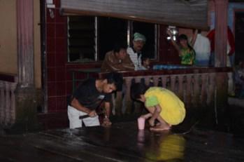 Persiapan Panggung Rabu (23/10/2013).