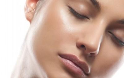 Descubre cómo lucir una piel radiante todas las mañanas. Es posible.