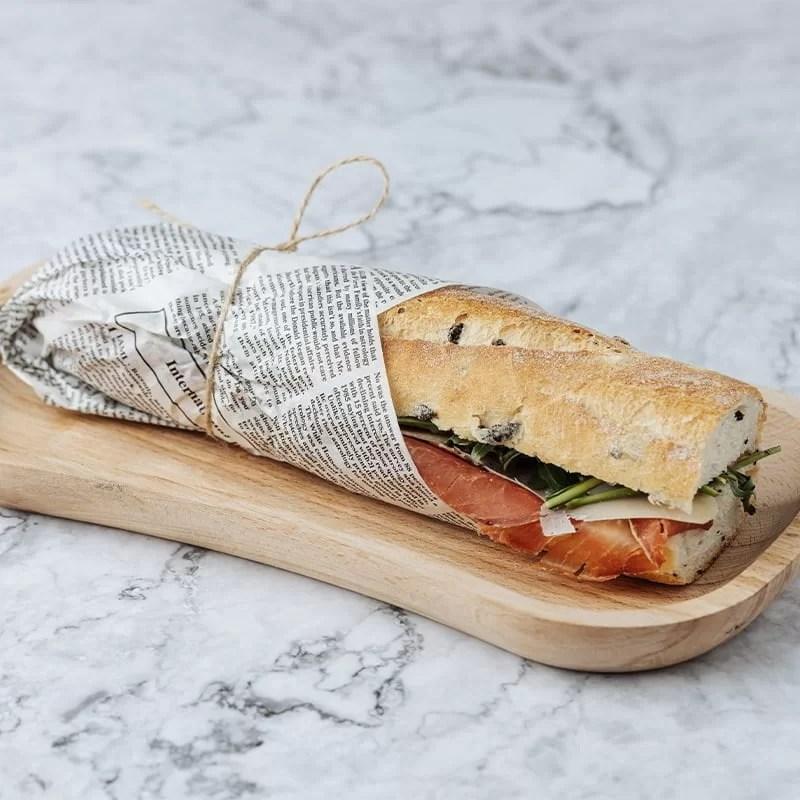 Sandwich Bagheta Masline cu Prosciuto Crudo