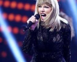 """Taylor Swift logró mover a """"Despacito"""" del primer lugar"""