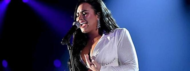 Demi Lovato presenta 'Anyone' antes de cantar el himno de Estados Unidos en la Super Bowl LIV