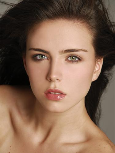 bellezas universitarias de piel clara