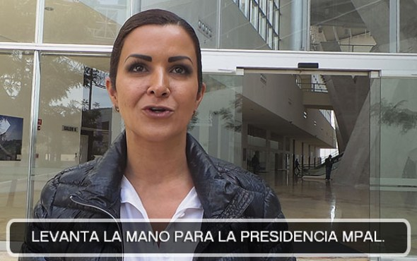 Beatriz Benavente-levanta la mano