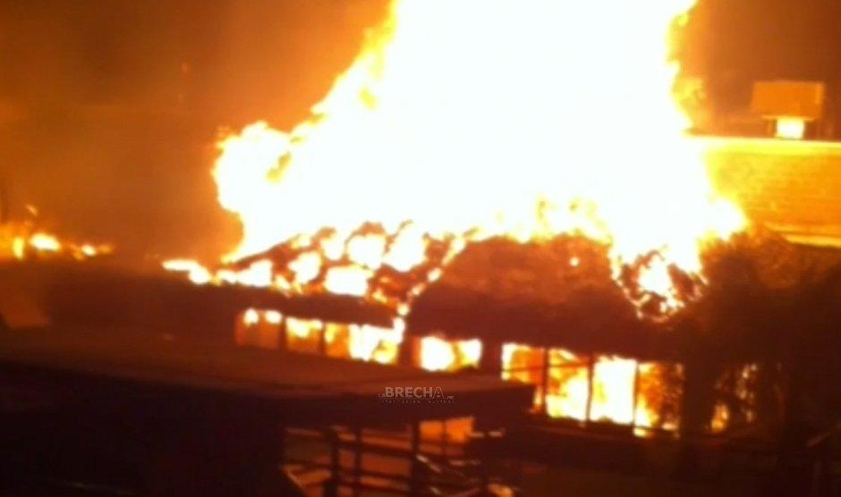 Incendio en La Cabaña de Pecos