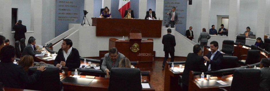 Tres Diputados Más Solicitan Licencia en el Congreso del Estado