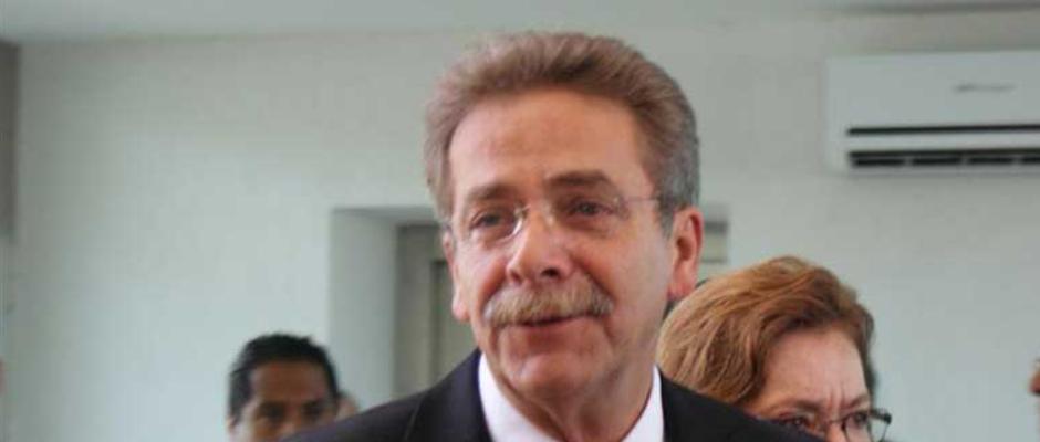 Resolución Exonera a Fernando Toranzo y a ex Funcionarios de 7 Diferentes Delitos