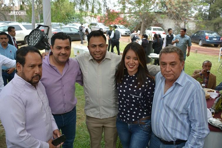 Gabino Morales Celebra 30-amigos-11