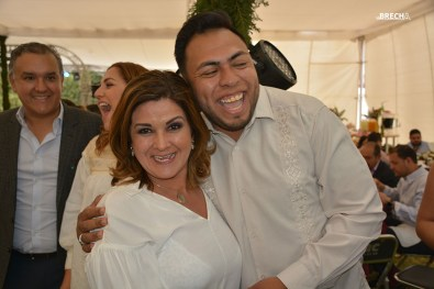 Gabino Morales-Cumple-Abrazos-Bety Benavente
