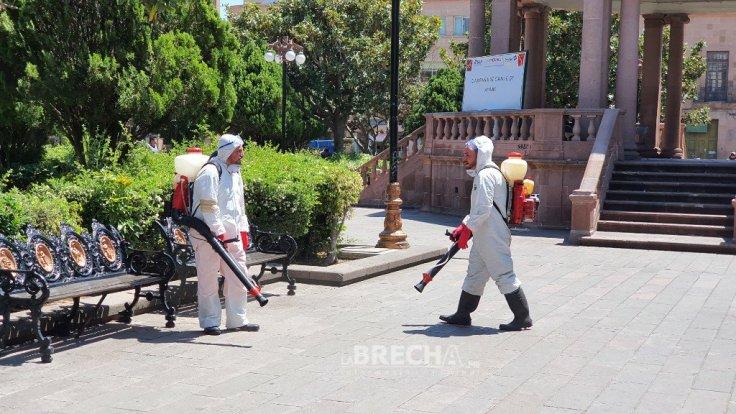 Plaza de armas desinfectada