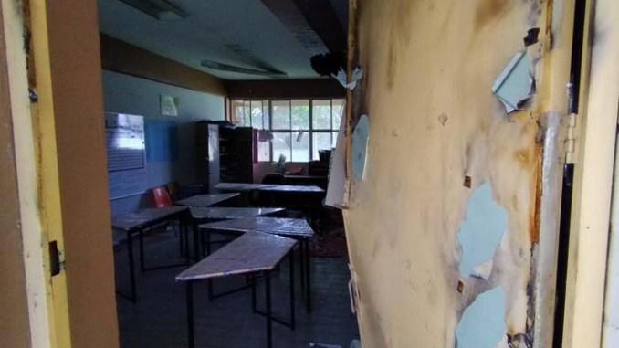 escuela vandalizada