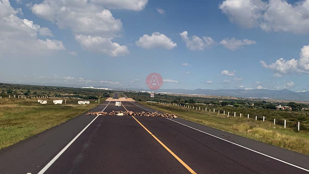 Ejidatarios liberan autopista 80-D