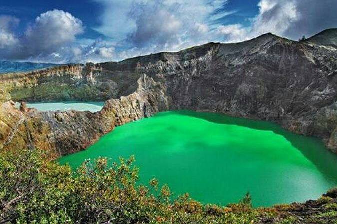 Danau Tiga Warna, sumber ig wikipedia.indonesia